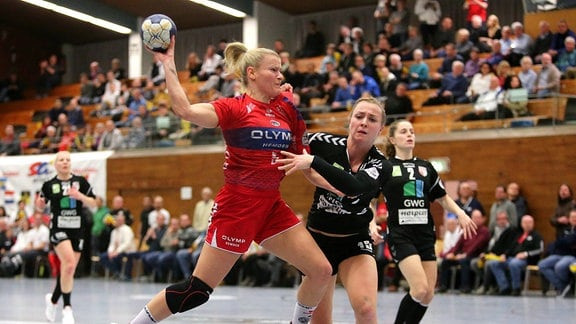 Antje Lauenroth (BBM), Swantje Heimburg (Halle)