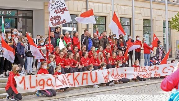 BSV Sachsen wird von Fans empfangen