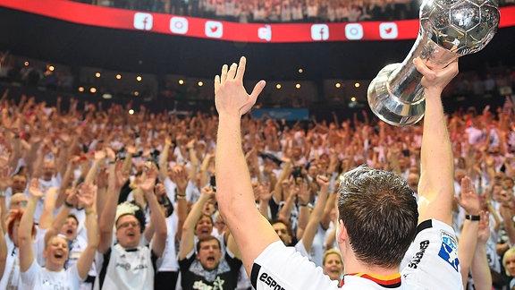 Trophäe DHB-Pokal