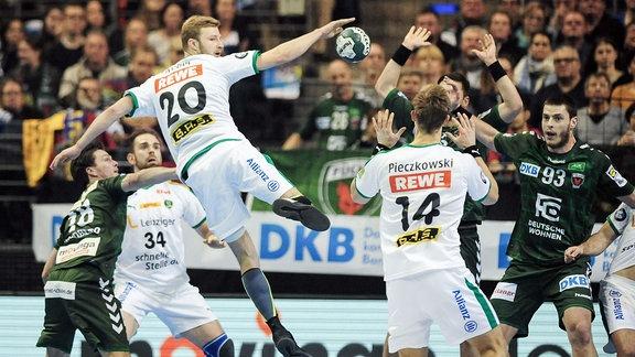 Philipp Weber (GER/RL 20 SC DHfK Leipzig) und Niclas Pieczkowski (GER/RM 14 SC DHfK Leipzig) im Zusammenspiel.