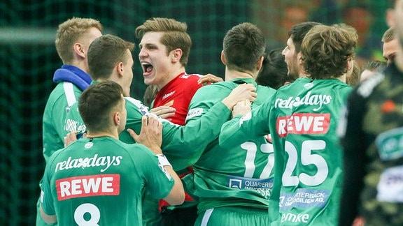 Die Spieler des DHfK Leipzig jubeln