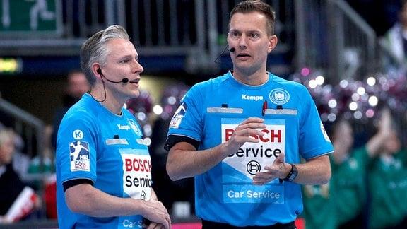 Schiedsrichtergespann Robert Schulze und Tobias Toennies