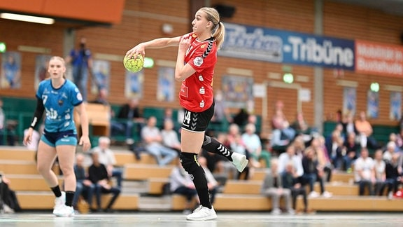 Julia Niewiadomska (Im Spiel beim Buxtehuder SV)