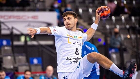 Lucas Krzikalla am Ball