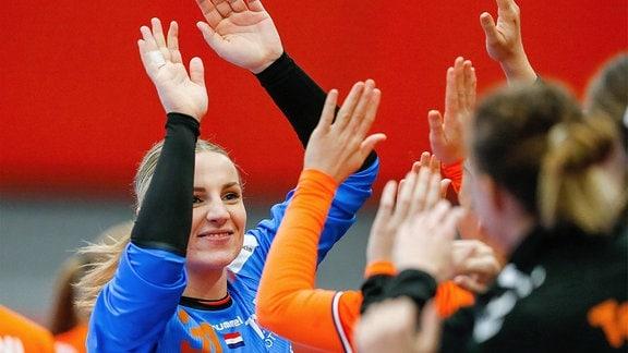 Rinka Duijndam jubelt mit Teamkolleginnen.