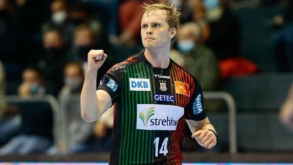 Omar Ingi Magnusson jubelt