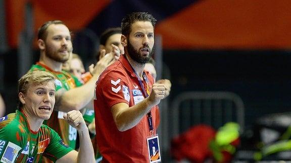 SC Magdeburg - ZSKA Moskau emspor, v.l. Bennet Wiegert Magdeburg, Trainerjubel
