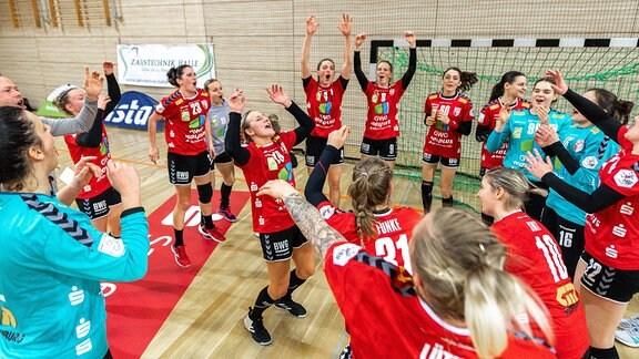 Lea Gruber (SV Union Halle) macht die Vortänzerin