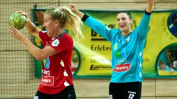 Freude bei Camilla Madsen und Torhüterin Anica Gudelj