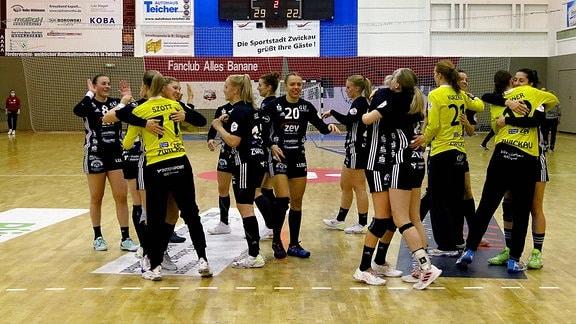 Jubel im BSV-Team Handball Frauen 1.Bundesliga