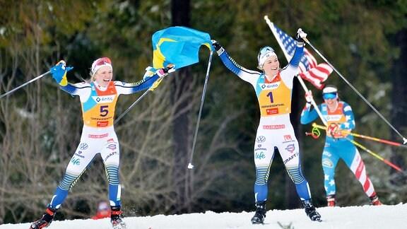 Jubel von Emma Ribom (Schweden), Johanna Hagstroem (Schweden) und Julia Kern (USA)  (v.l.n.r.)