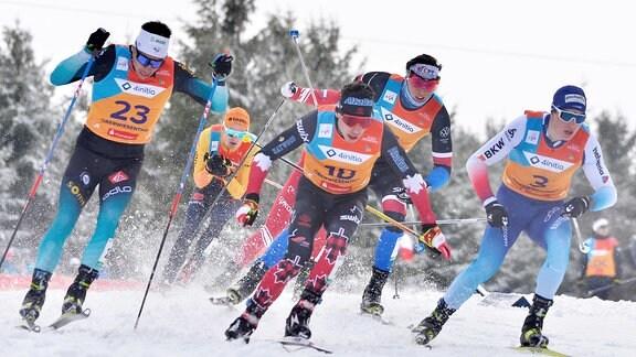 Janosch Brugger (Deutschland / Schluchsee) (2.v.l.) im Viertelfinale beim Langlauf-Sprint U23