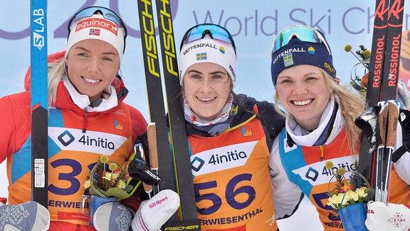 Siegerinnen Marte Johansen, Ebba Andersson und Emma Ribom