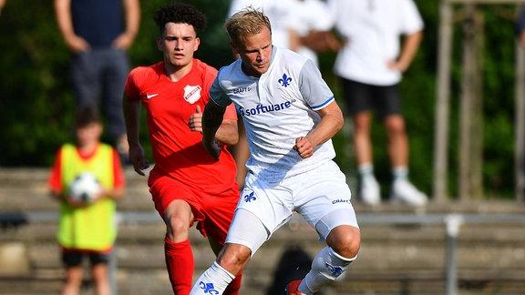 v.l. Luka Konjicija (SKV Rot-Weiß Darmstadt), Sören / Soeren Bertram (SV Darmstadt 98)
