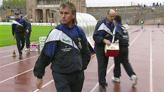 Reinhard Häfner, Trainer des Chemnitzer FC, im Spiel gegen Waldhof Mannheim im Jahr 1996.