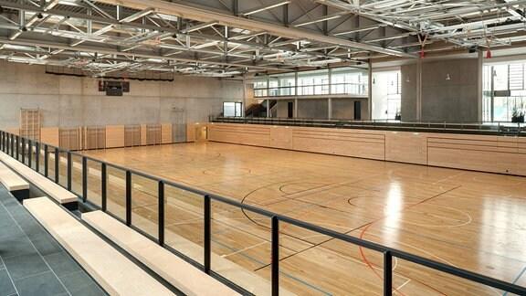 leere Sporthalle