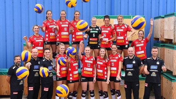 Dresdner SC, Mannschaftsfoto mit Ball