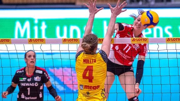 Lenka Dürr, Sabrina Müller und Maja Storck