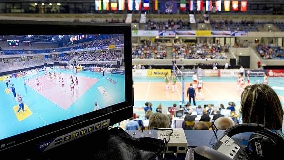 Reporterplatz bei einem Volleyballspiel