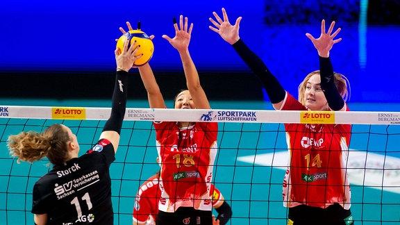 Maja Storck Dresdener SC, Ana Tiemi Takagui SC Potsdam, Kelsey Veltman SC Potsdam