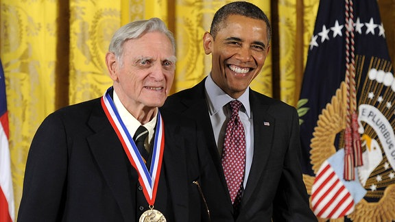 John B. Goodenough (li.), Träger des Chemie-Nobelpreises 2019