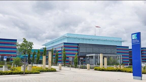 Blick auf den Haupteingang des Robert-Koch-Krankenhaus in Apolda
