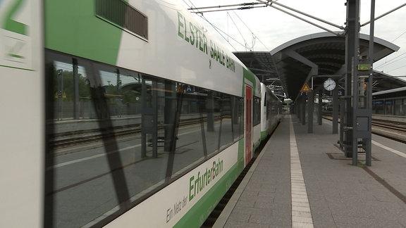 Ein Zug der Erfurter Bahn.
