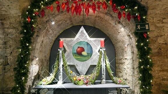 Traditionelle Weihnachtsausstellung Florales zur Weihnachtszeit im historischen Felsenkeller des Erfurter Dombergs. In diesem Jahr (2017) trägt sie den Titel Leinwand trifft Advent