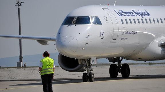 Lufthansa am Flughafen EF