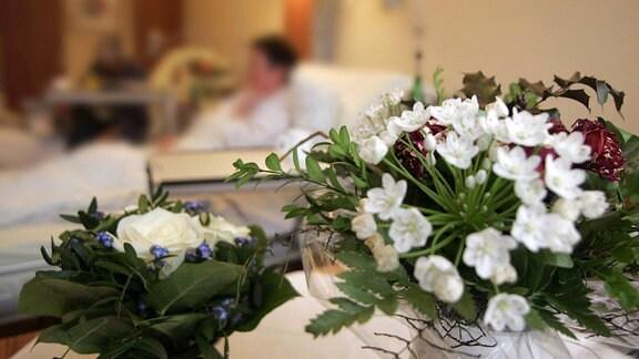 Blumen am Krankenbett