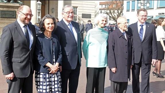 Die Redner der Gedenkveranstaltung: Martin Schulz, Agnes Triebel, Zoni Weisz, Éva Pusztai, Bertrand Herz, Bodo Ramelow