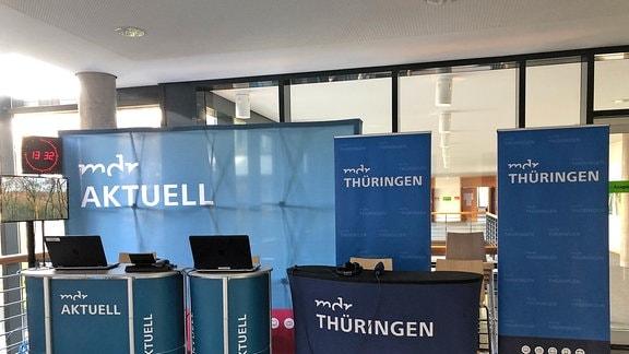 MDR Thüringen und MDR Aktuell haben ihre Studios im Landtag aufgebaut.
