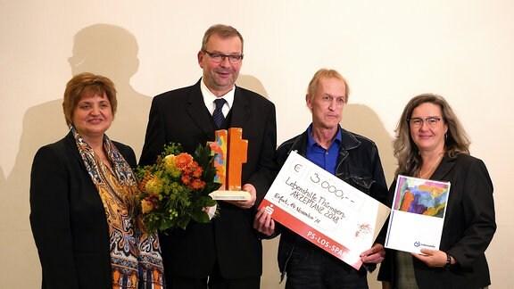 HWS-Geschäftsführer Gerhard Pilz nimmt AKZEPTANZ-Preis an
