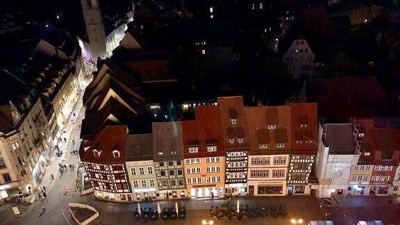 Blick aus einem Riesenrad auf die Innenstadt von Erfurt.