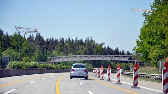 Neue Fußgängerbrücke über A4 bei Stadtroda