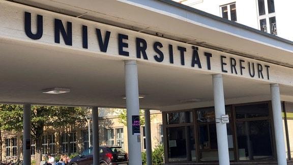 Haupteingang der Universität Erfurt