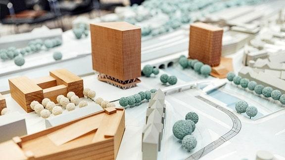 Modell von zwei Hochhäusern für die ICE-City in Erfurt.