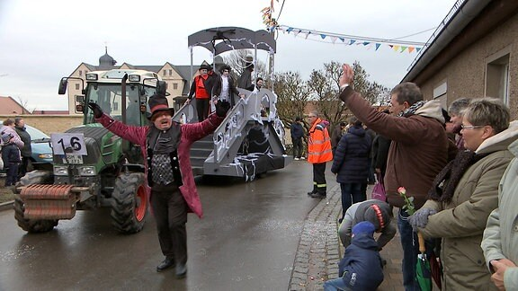 Erster Karnevals-Umzug Thüringens in Kannawurf