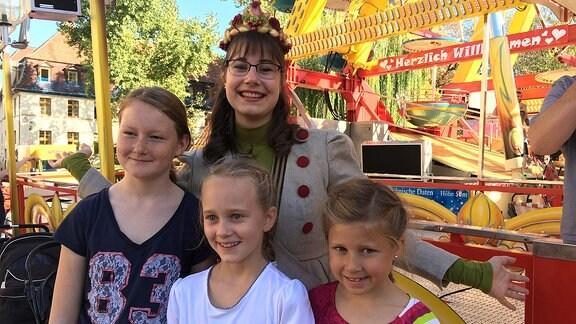 Zwiebelmarktkönigin 2018 mit Kindern