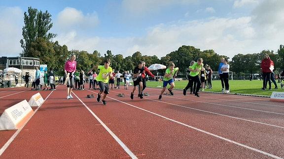 Sportabzeichentag mit Lauf-Wettbewerb in Weimar