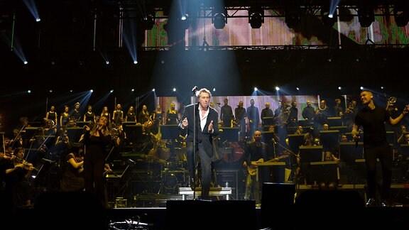 """""""Let's stick together"""", ein tänzelnder Bryan Ferry macht nach der Pause weiter"""