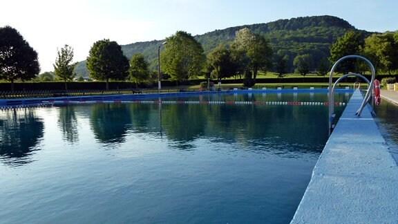 Freibad Holungen Schwimmbecken