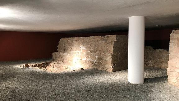 Blick in die Mikwe in Sondershausen, einem mittelalterlichen jüdischen Ritualbad.