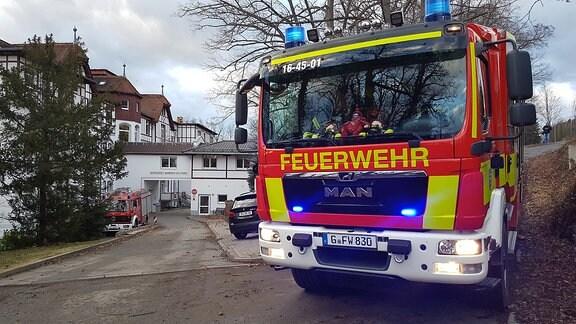 Im Geraer Ortsteil Scheubengrobsdorf hat Orkan Friederike das Dach eines betreuten Wohnens abgedeckt