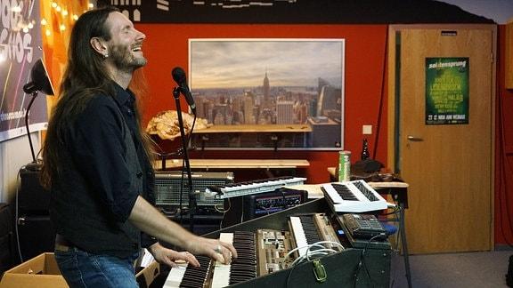 Stephan Janson am Keyboard