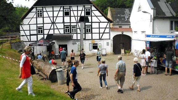 Ein Fachwerkhaus, die Mühle in Endschütz, im Landkreis Greiz
