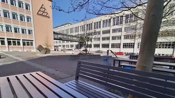 Menschenleerer Campus der Ernst-Abbe-Hochschule Jena