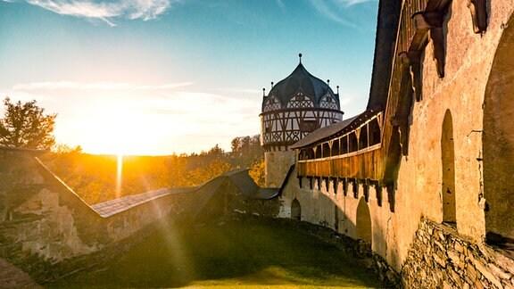 Schloss Burgk im Sonnenschein.