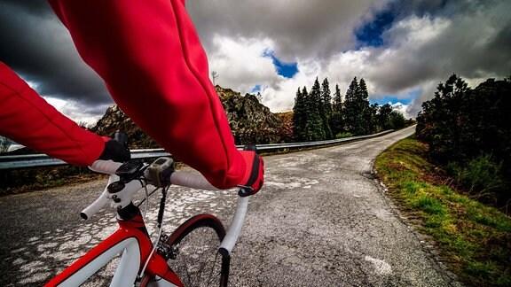 Radfahrer auf Straße