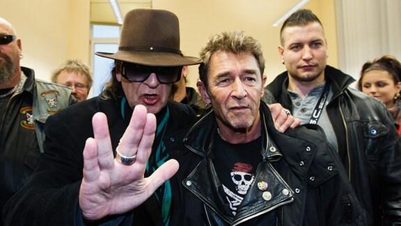 """Udo Lindenberg (L) und Peter Maffay (R) bei der Pressekonferenz """"Rock gegen Rechts"""